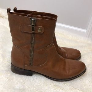 Naturalizer zip up brown ankle boots size 11